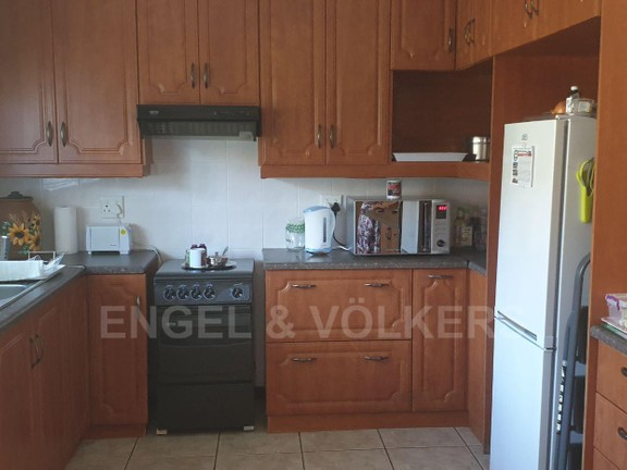 House in Uvongo - 015 - Flat - kitchen.jpg