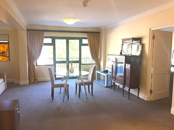Apartment in Sea Point - OPEN PLAN LIVING AREA