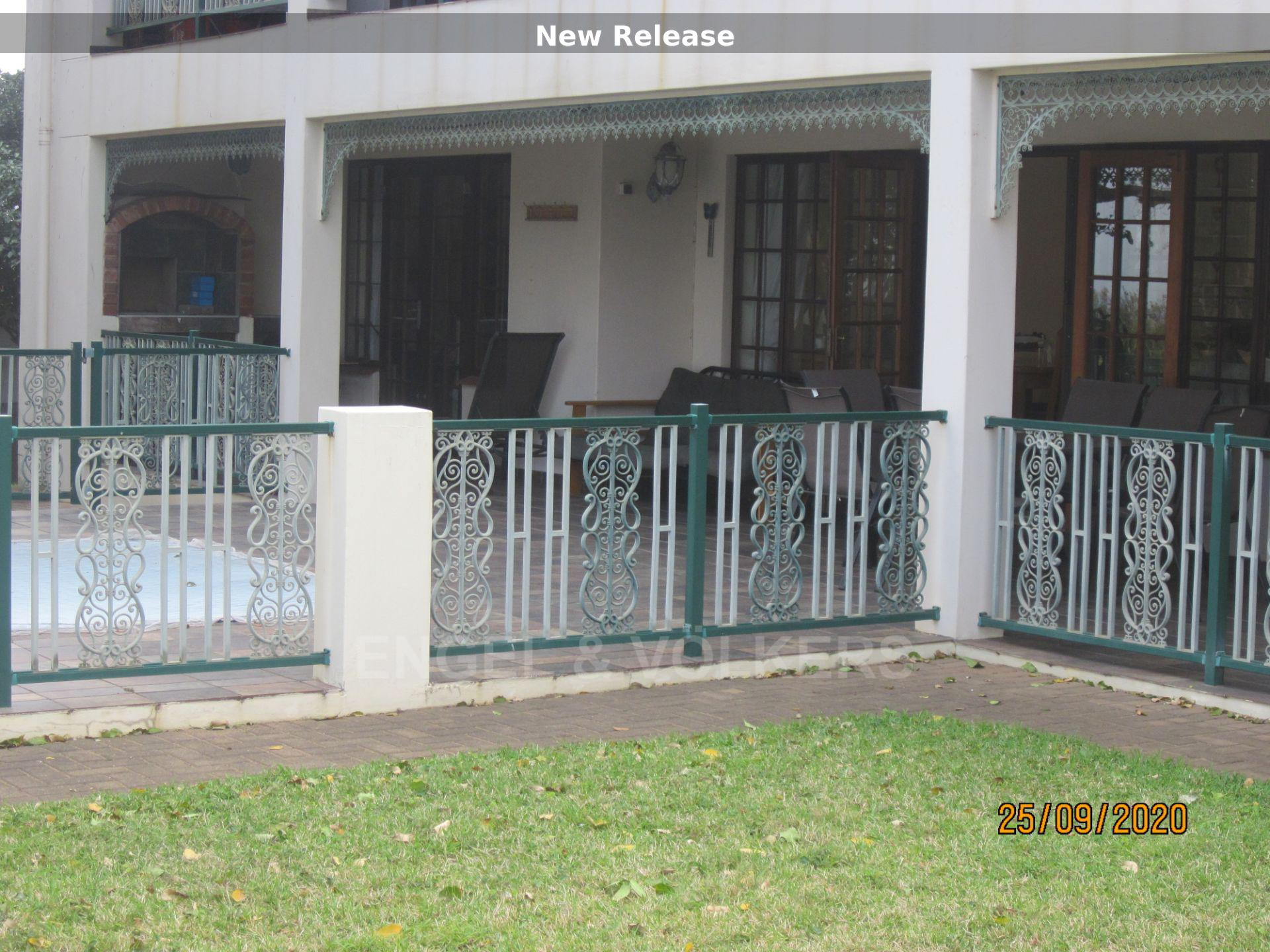 Apartment in Shelly Beach - Front of unit