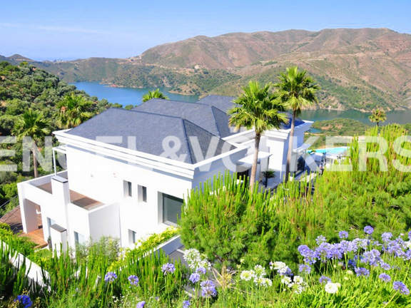 House in Surroundings - Villa & View