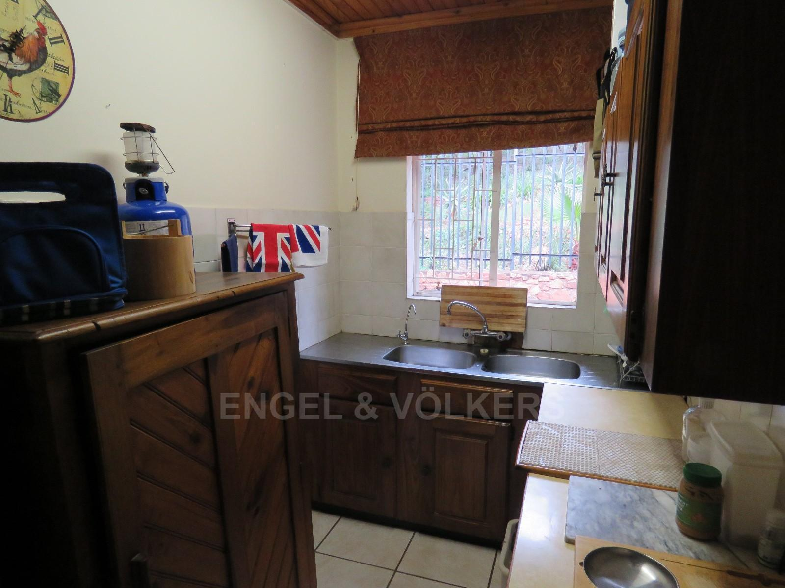House in Schoemansville - separate scullery