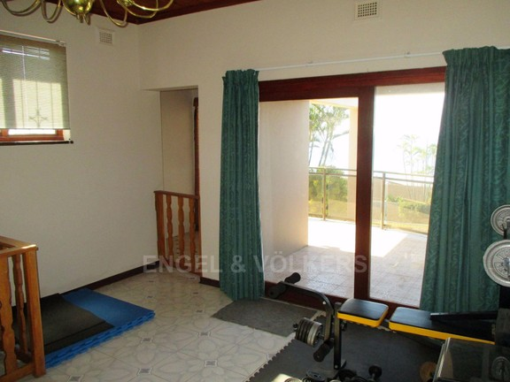 House in Oslo Beach - upstairs gym room.JPG