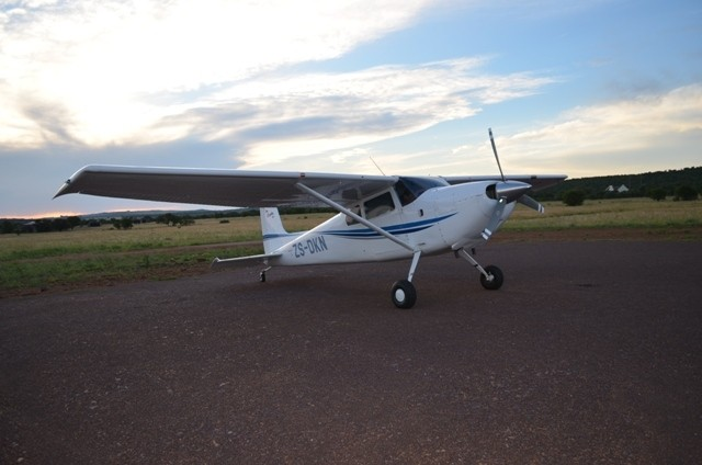 Land in Lekwena Wildlife Estate - Aeroplane On Runway