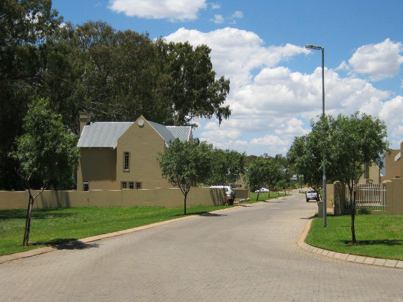 Land in Cullinan - exterior view cullinan golf estate low res.JPG