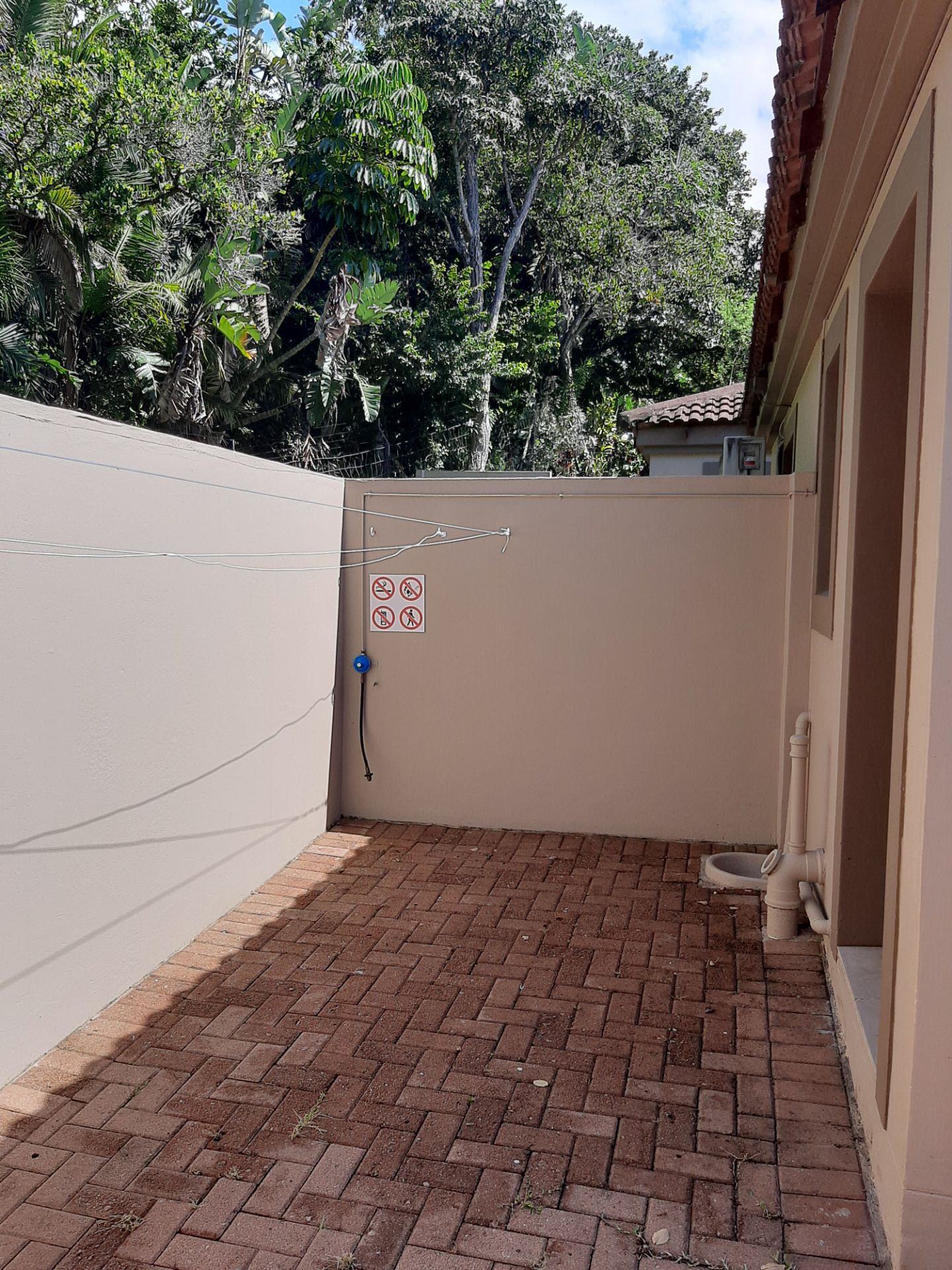 Apartment in Southbroom - courtyard