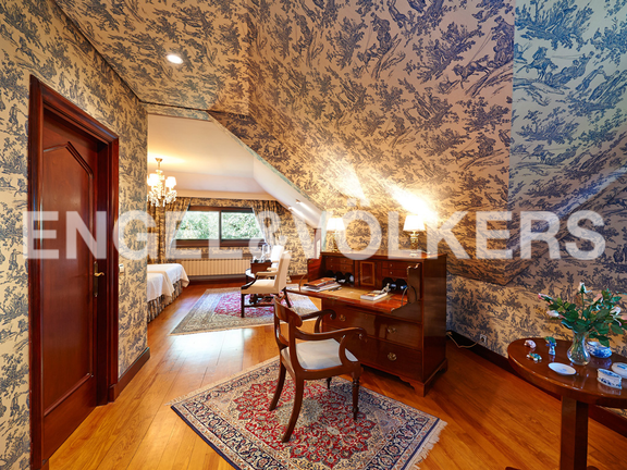 House in Jaizubia - Master suite with the finest tapestries and carpentries.