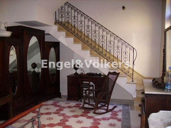 House Of Character, Mosta, stairs