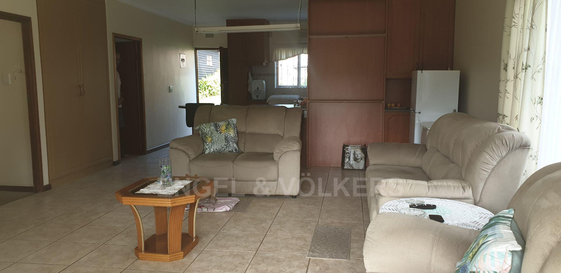 House in Uvongo - 014 - Flat - Living area 2.jpg