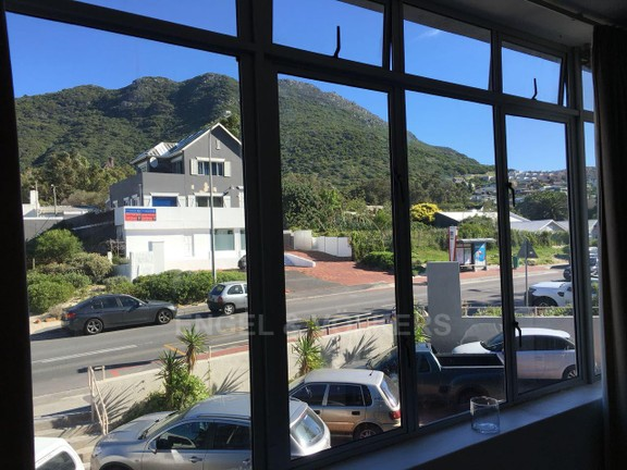 House in Hout Bay - Outlook