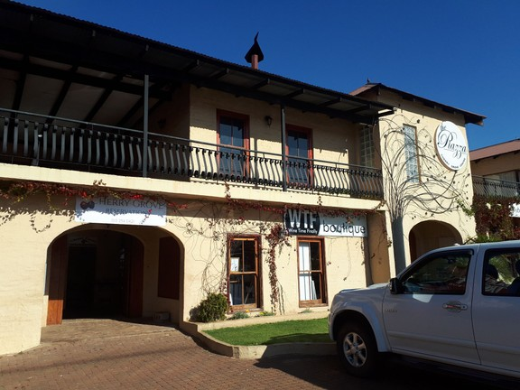 Apartment in Dullstroom Village - 20180620_142713.jpg