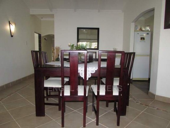 House in Ramsgate - 004_Dining_room_F3wbbMY.JPG