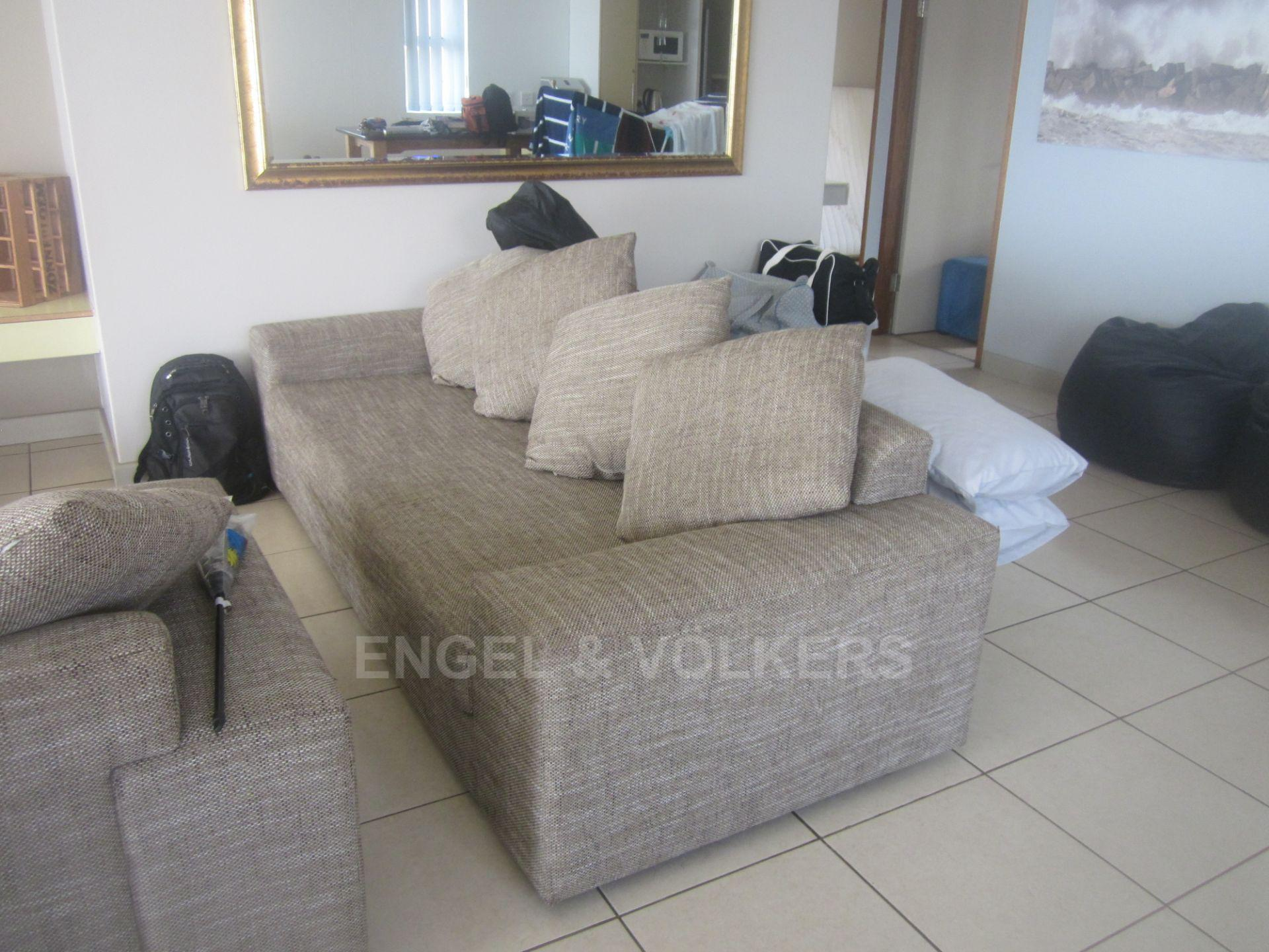 Apartment in Margate - 005 Lounge.JPG