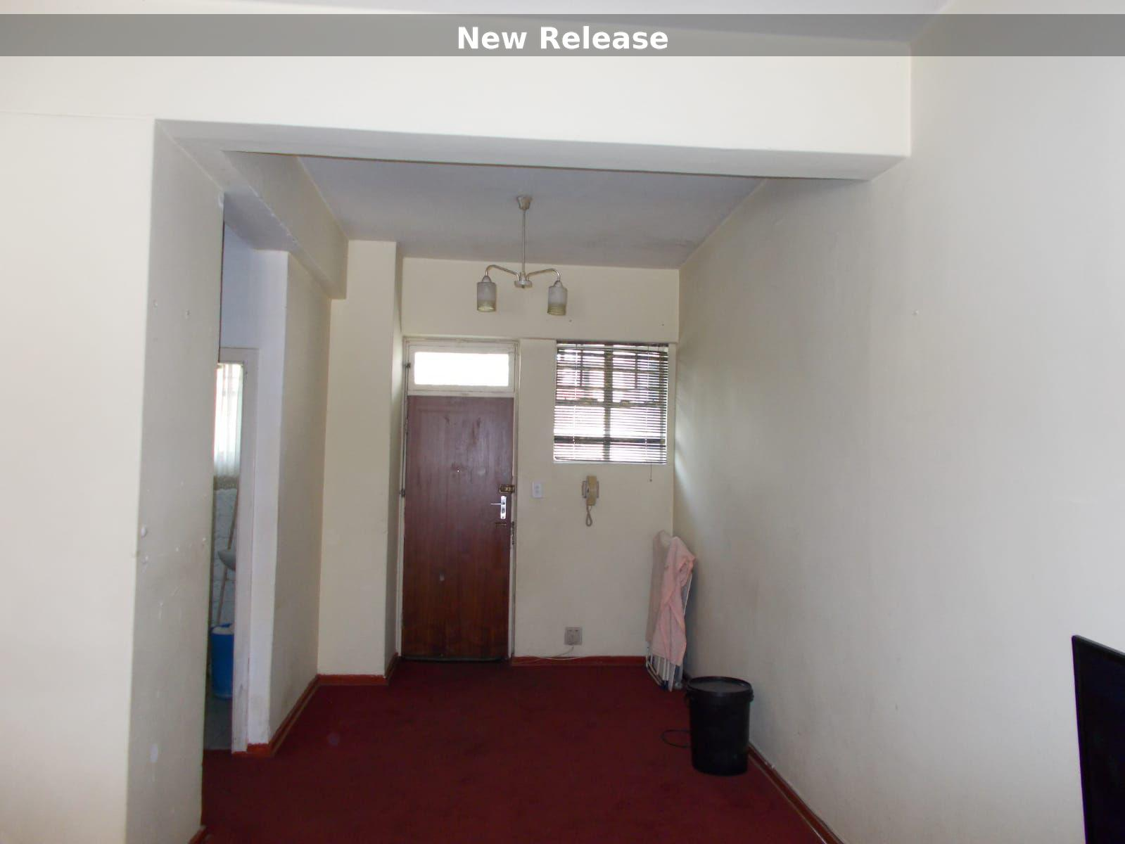 Apartment in Hillbrow - WhatsApp Image 2021-01-12 at 13.03.08 (2).jpeg