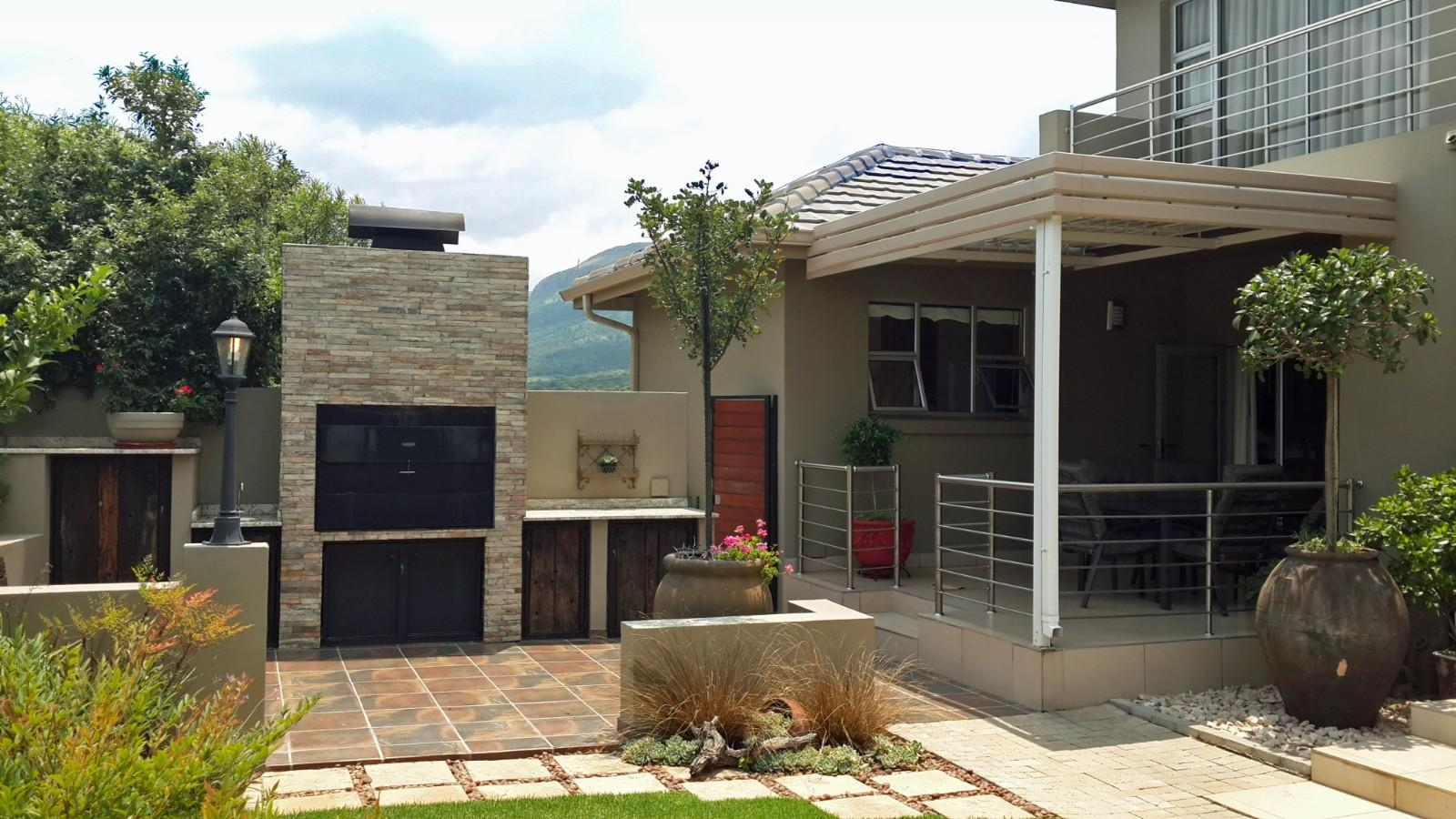 House in Magalies River Club and Golf Estate - Undercover_patio__built_in_braai.jpg