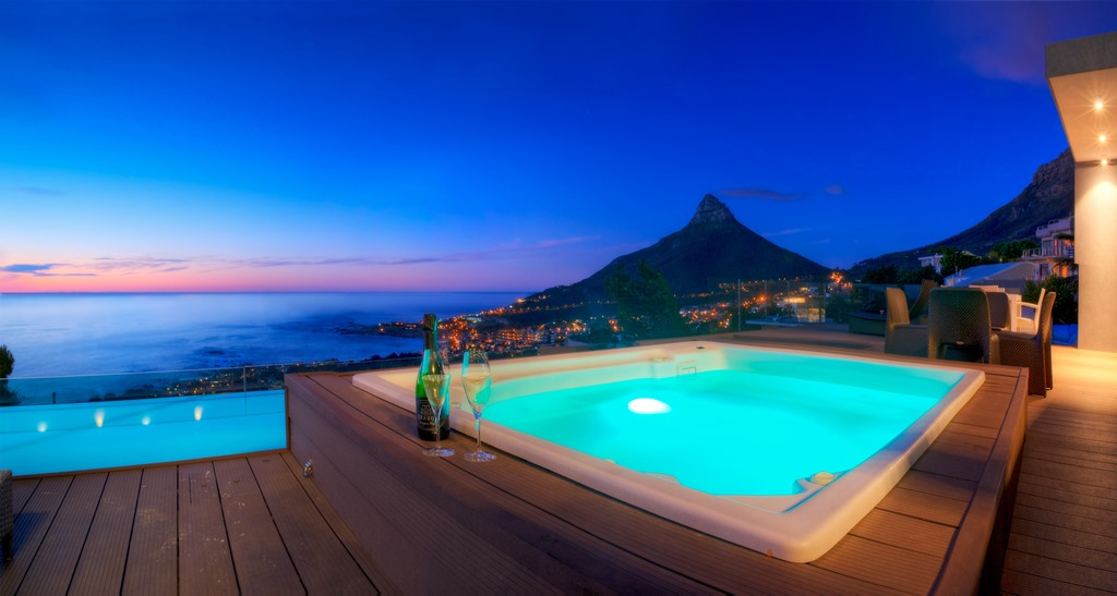 House in Camps Bay - Jacuzzi Sunset.jpg