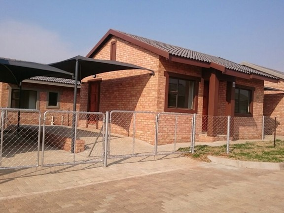 House in Ikageng - IMG-20160914-WA0016_NVMSYSM.jpg