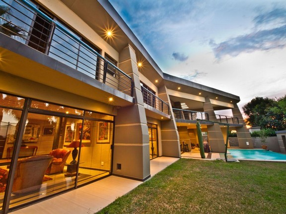 House in Fourways - 5_bedroom_house_fourways_2.jpg