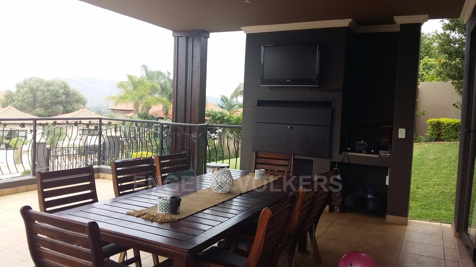 House in Birdwood Estate - Covered_patio_with_braai_and_TV.jpg