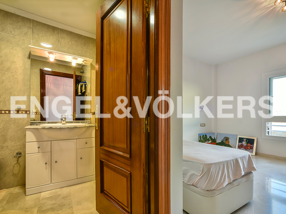 Condominium in Calpe - View from floor to the bathroom and another bedroom
