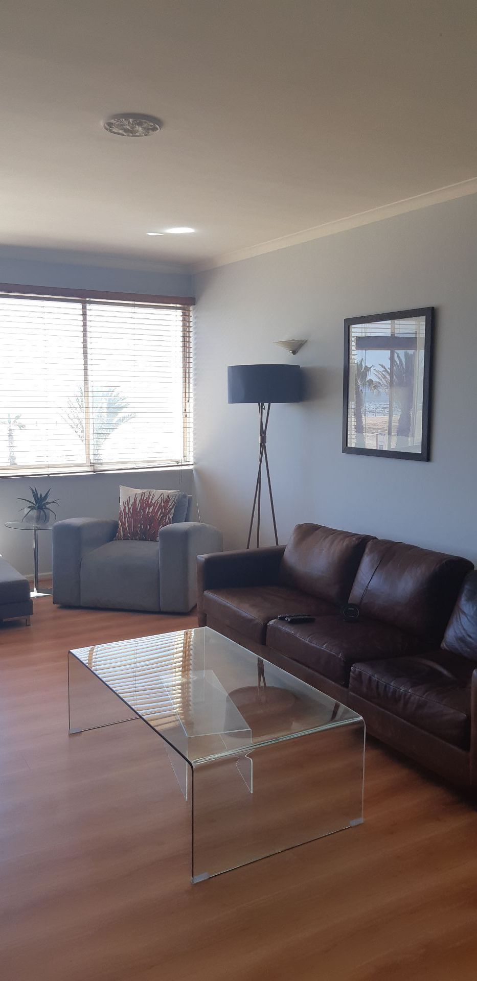Apartment in Mouille Point - lounge.