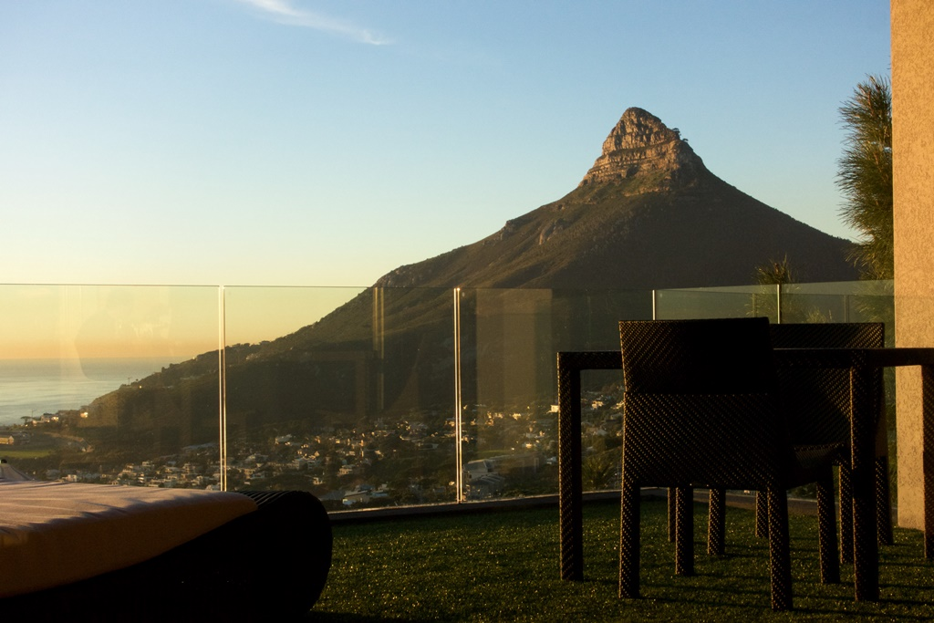 House in Camps Bay - Lions Head.jpg
