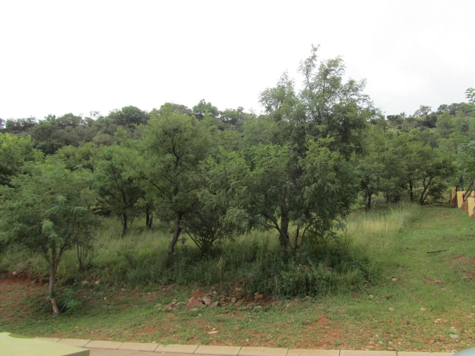 Land in Ville D' Afrique - stand from road
