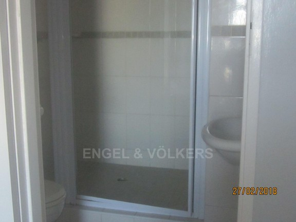 Apartment in Margate - 007 MES.JPG