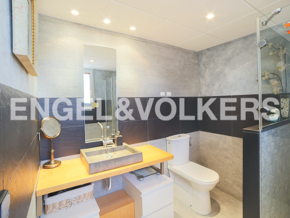 House in Godella - bathroom en-suite