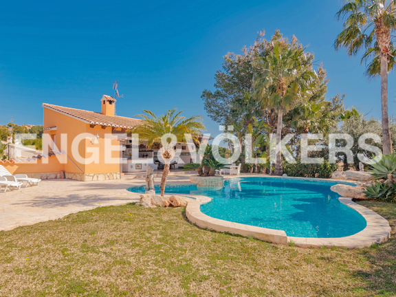 House in Moraira - Beautiful Villa with Guest Apartment in San Jaime - Moraira, Garden