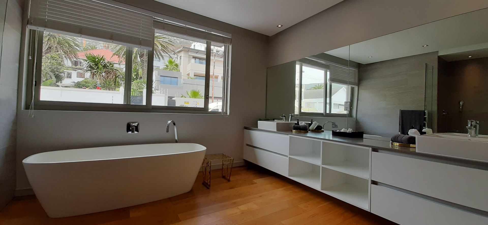 Apartment in Bantry Bay - Main bathroom.jpg