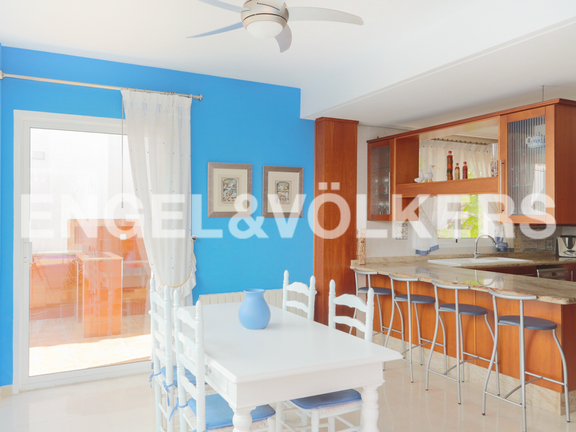 House in Cullera - Ample kitchen with breakfast area