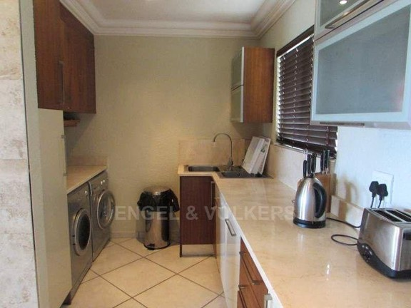 Condominium in Ramsgate - 004_Kitchen_v2_eDmbLsq.JPG