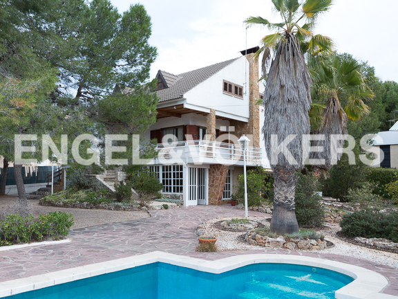 House in La Cañada - view from the pool