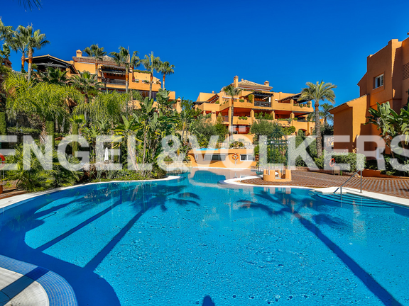 Apartment for sale in Los Lagos de Sierra Blanca Marbella