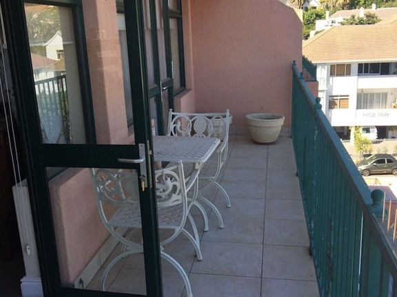 Condominium in Sea Point - Balcony...