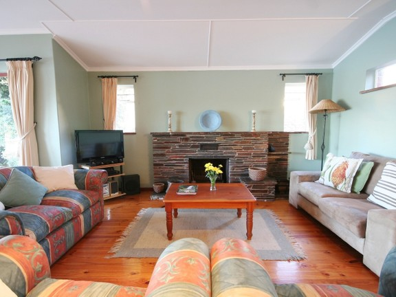 House in Redhouse - Lounge Area With Fireplace