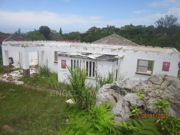 Land in Uvongo - 013 Back of house.JPG