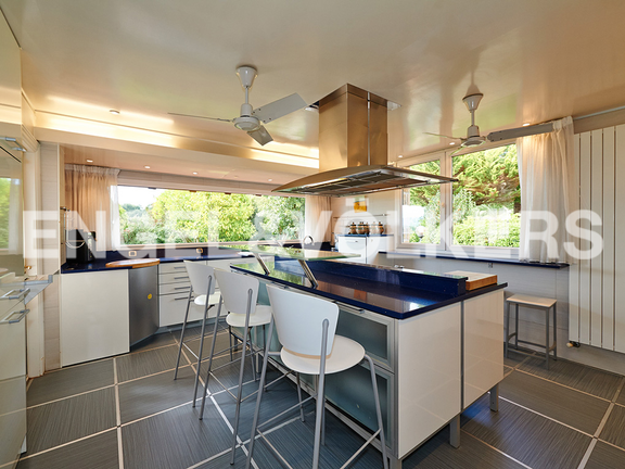 House in Ulía - Kitchen equipped with all the domestic appliances, Villa B