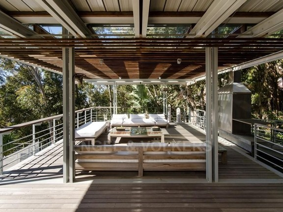 House in Bantry Bay - Wooden Entertainment Deck
