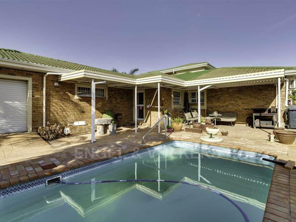 House in Vierlanden - Pool and Braai area