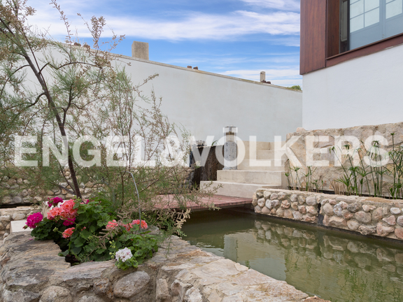 House in Cullera - Waterfall detail
