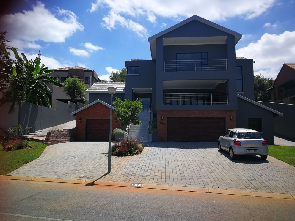 House in Xanadu Eco Park - View from the street