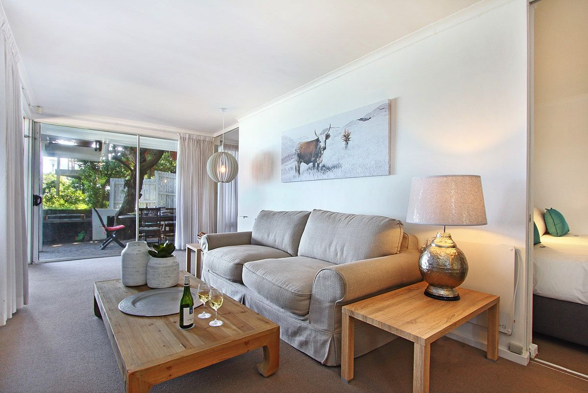 House in Camps Bay - 32.DS Lounge sofa.jpg
