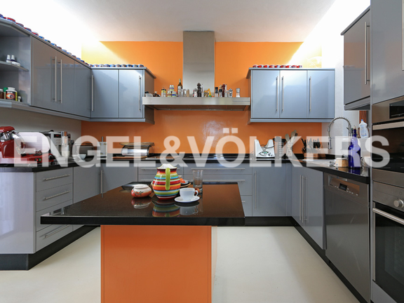 House in Urb. Roca Llisa - Fully equipped half-open kitchen