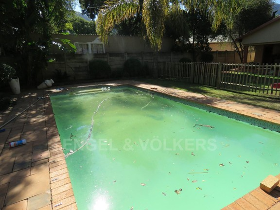 House in Schoemansville - Pool
