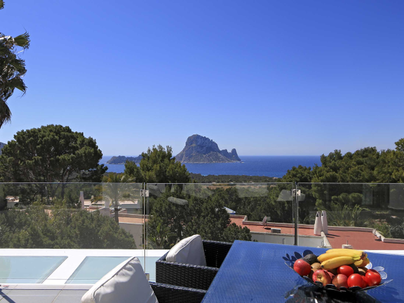 Minimalistic villa with touristic rental licence in Cala Carbó