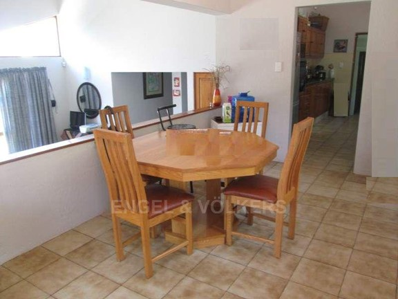 House in Southbroom - 004_Dining_area_jkuylqL.JPG