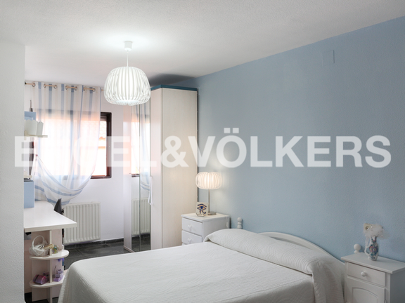 House in Entrepins - Bedroom