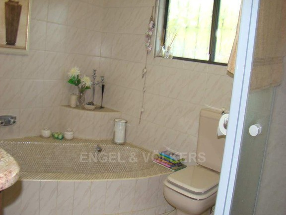 House in Shelly Beach - 011 Bathroom 2.JPG