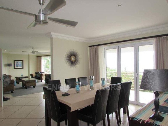 Condominium in Ramsgate - 006_Dining_room.JPG